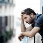 Почему болит голова после плача - все зависит от причины слез