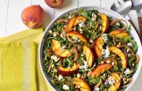 Витаминный салат из фруктов для гипертоников