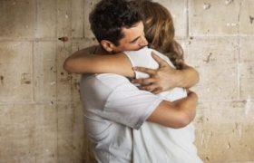 Ученые доказали, что объятия улучшают настроение после ссоры