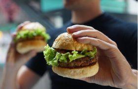 Ученые признали нездоровую пищу причиной депрессии