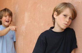 От депрессии — до употребления наркотиков и самоубийства: страшные последствия травли