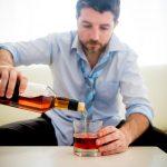 Муж пьет, лечение от алкоголизма не помогает. Почему жена не подает на развод?