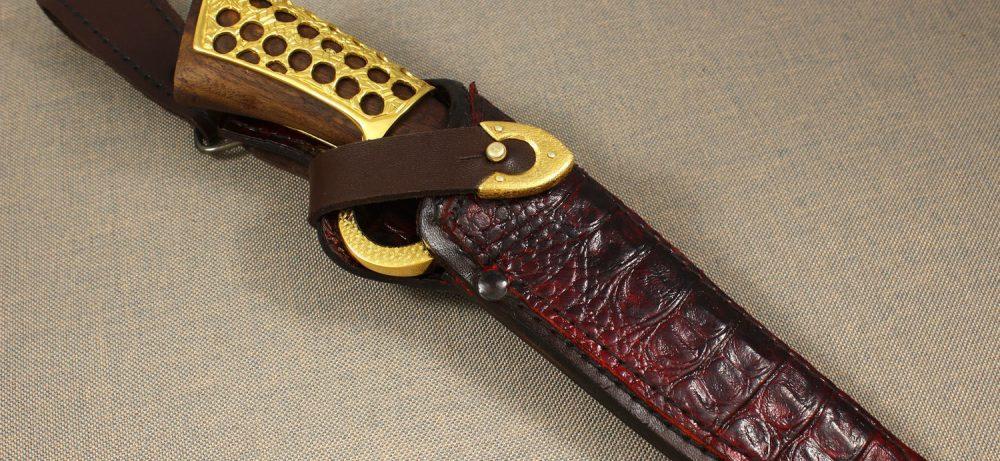 Сувенирный нож украшение интерьера и подарок мужчине
