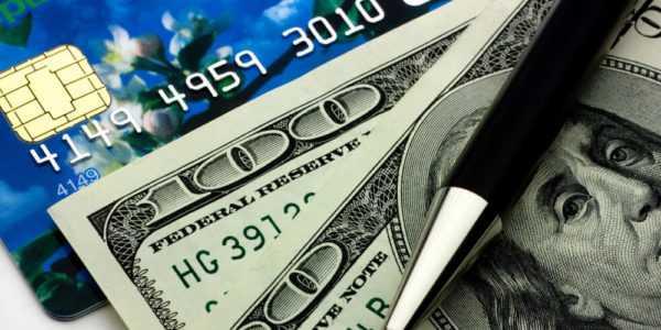 Что лучше: кредитная карта или заем наличными?