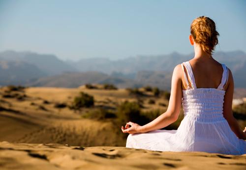 25 минут ежедневной медитации снимают внешние проявления стресса