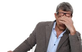 Апатия: симптомы, причины, лечение