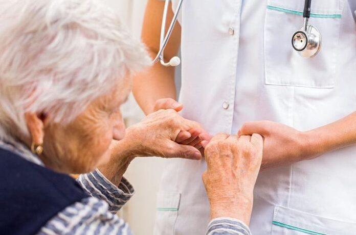 Названы первые признаки болезни Паркинсона