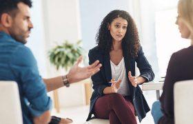 Пора поговорить: 10 причин посетить семейного психолога