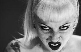 Почему лучше быть злой ведьмой, а не доброй феей? Объясняет психолог