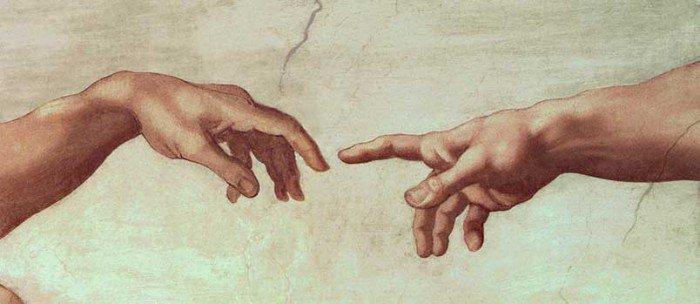 Психологи не рекомендуют при встрече долго жать руку