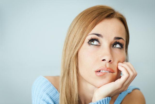 Привычка кусать губы