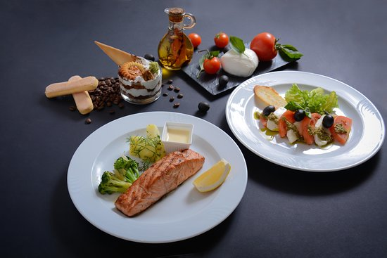 Еда из ресторана — позвольте себе отличный обед или романтический ужин