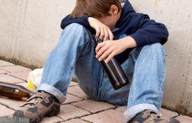 Наркотики и алкоголь в жизни подростков. Как с этим бороться?