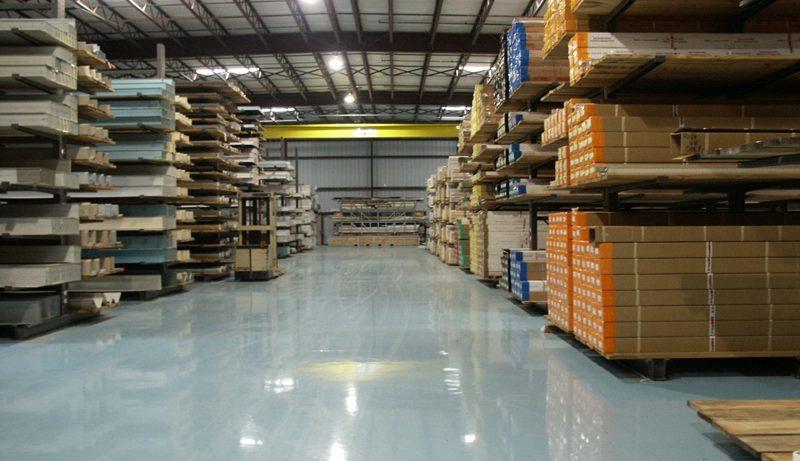 Требования, которым должен отвечать напольный материал для промышленных и складских помещений.