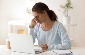 Чтобы победить стресс, нужно больше смеяться, советуют психологи