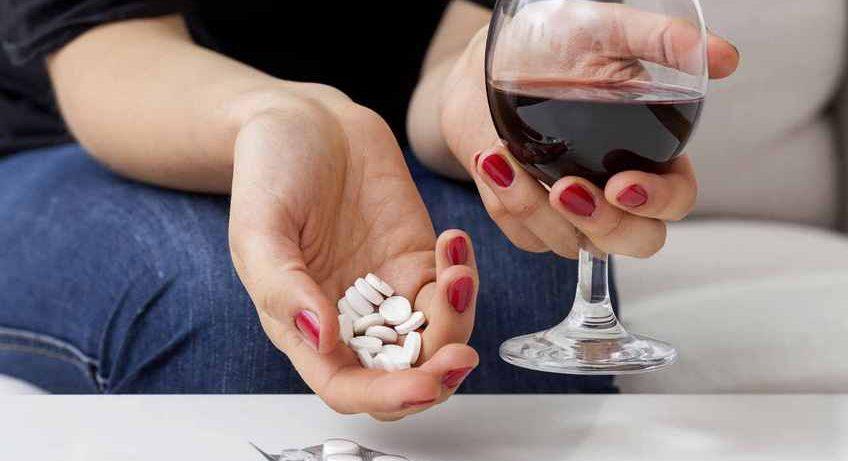 Бросить пить: 5 способов побороть алкогольную зависимость в пандемию