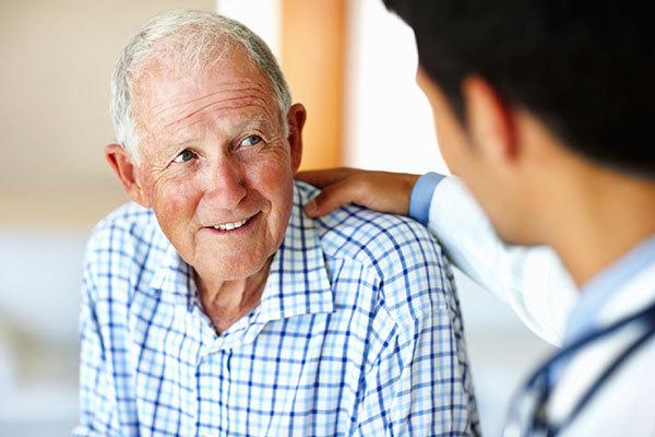 Симптомы болезни Паркинсона может облегчить пение