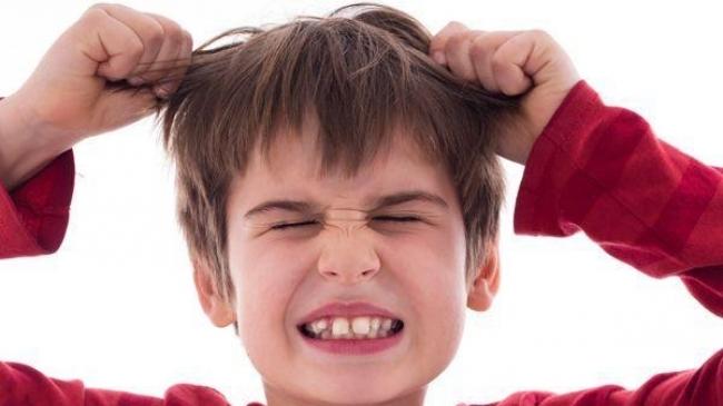 «Аутоагрессия» — ребенок бьет самого себя: почему?