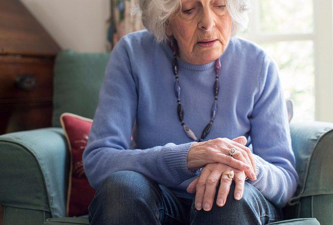 Самые ранние признаки болезни Паркинсона — до того, как начнут дрожать руки